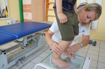 Speciální rehabilitace POLIKLINIKY AGEL Olomouc pomáhají dětem ke zdravému vývoji nohy